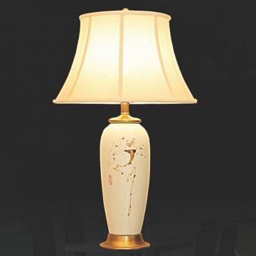 Đèn bàn chụp vải thân gốm VENUS KT5012L