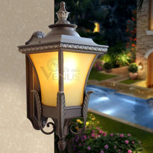 Đèn tường ngoài trời cổ điển Venus 0188