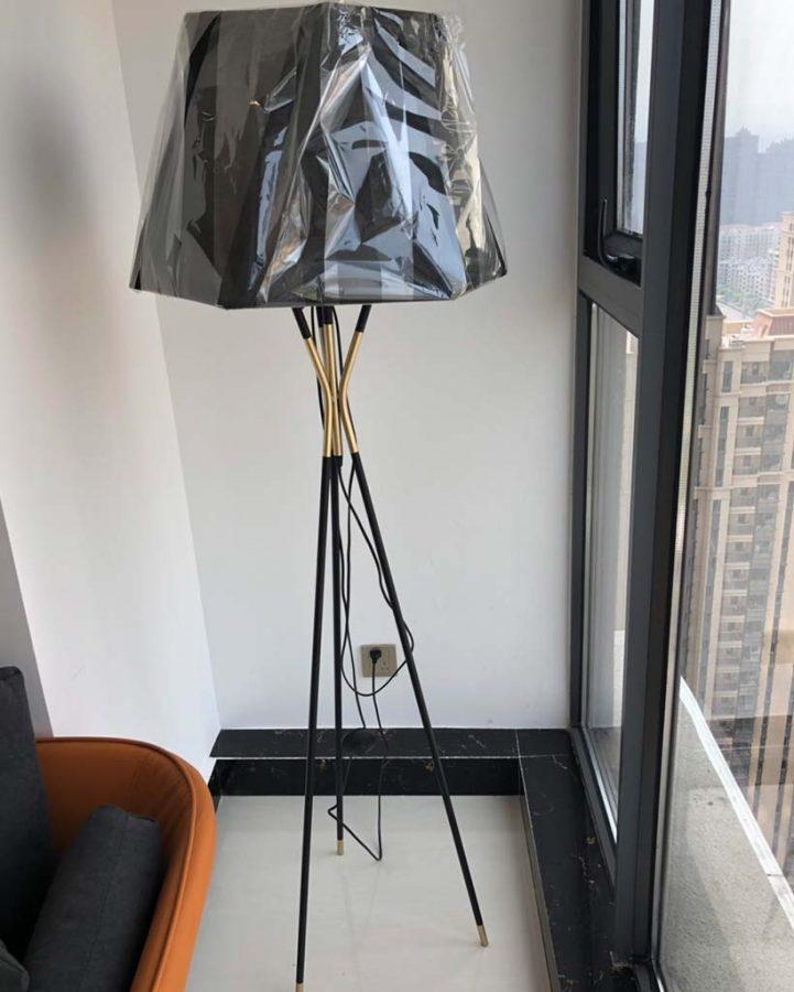 Đèn cây đứng trang trí cao cấp Venus DC567B/18