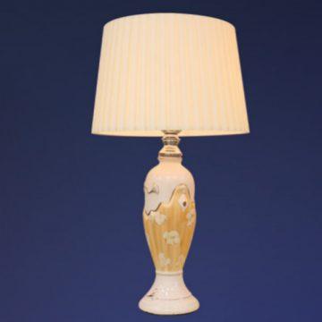 Đèn bàn chụp vải thân gốm giả gỗ VENUS MT6012