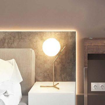 đèn bàn trang trí thủy tinh hiện đại
