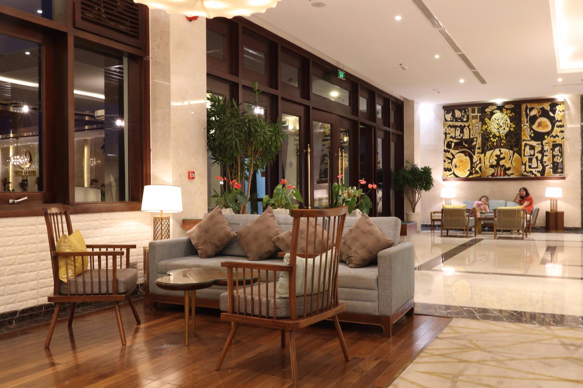 đèn trang trí khách sạn