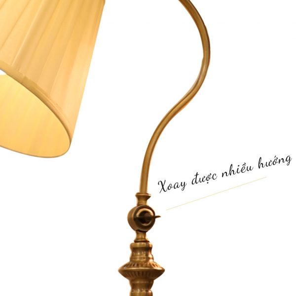 Đèn cây đứng góc sofa cao 1.6m thân giả đồng chụp vải xếp Venus
