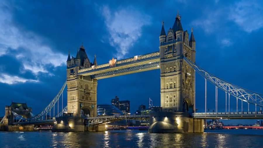 TOWER BRIDGE LONDON Nước Anh.