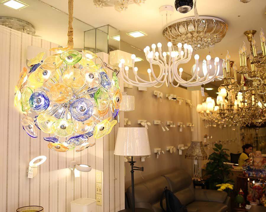 showroom đèn trang trí