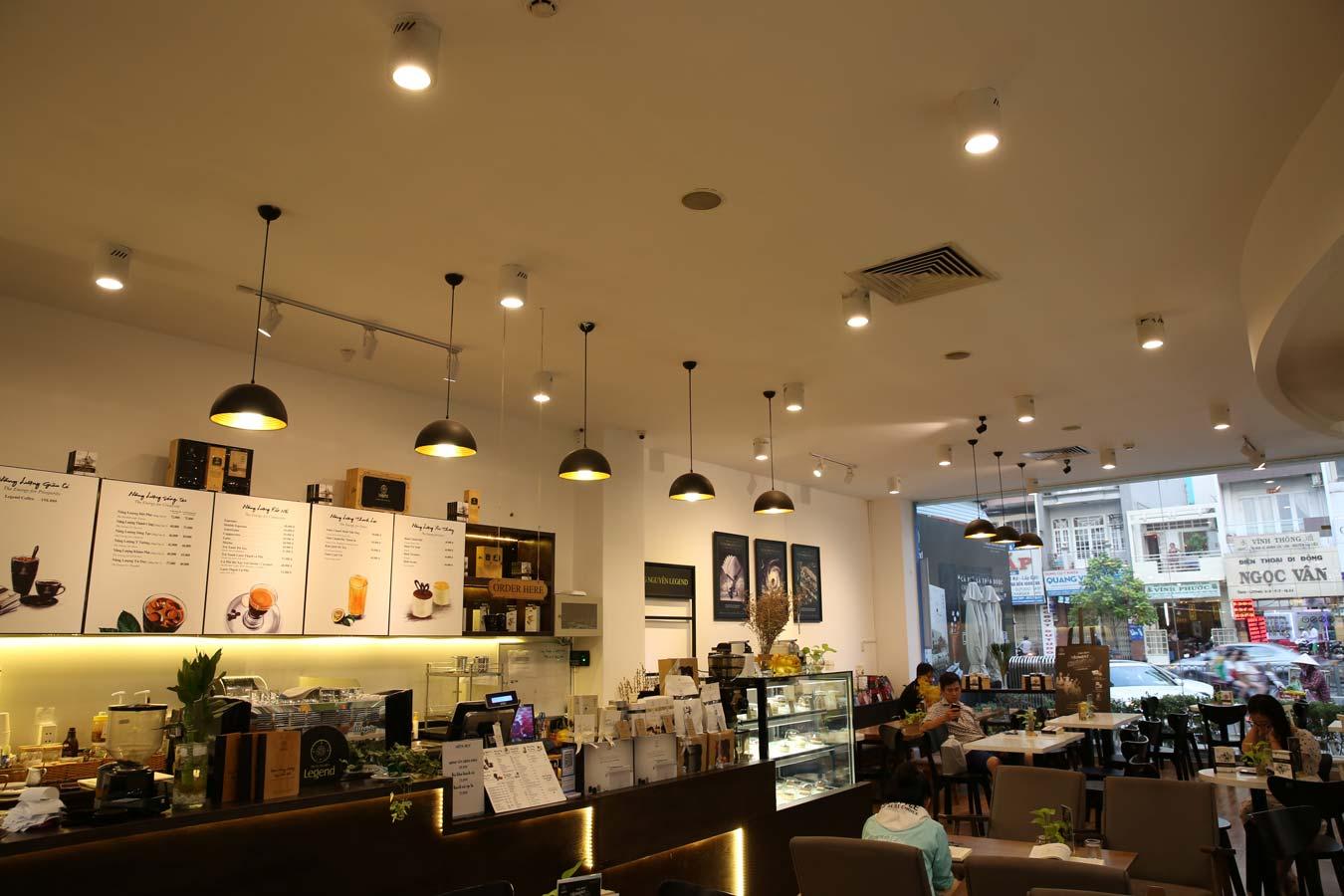 Đèn trang trí cho quán café sách tại Nhà sách Phương Nam tại 940 đường 3/2