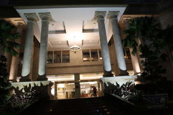 Đèn trang trí khách sạn tân sơn nhất