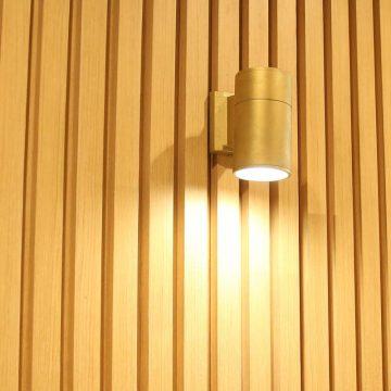 Đèn trang trí tại quán Miyama Coffee