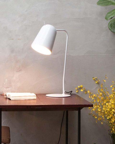 đèn bàn làm việc hiện đại