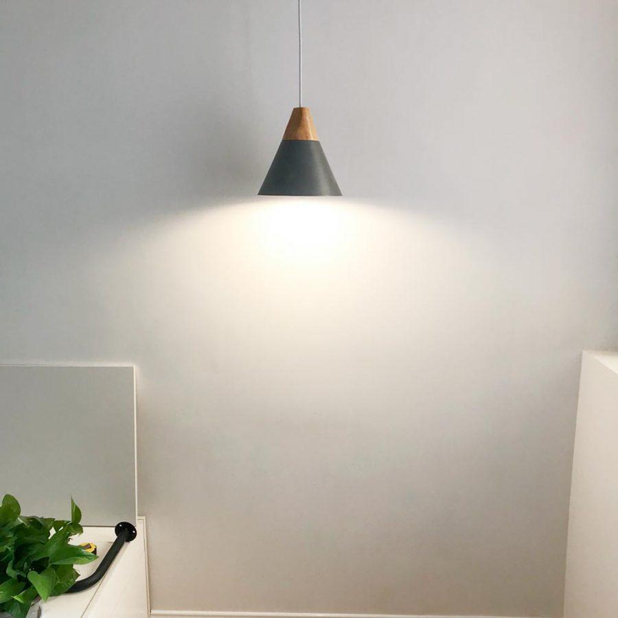 đèn thả phòng ngủ chuôi gỗ