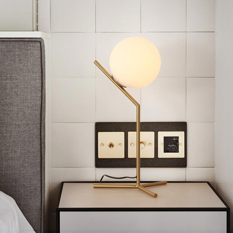 đèn bàn trang trí hiện đại kiểu Ý