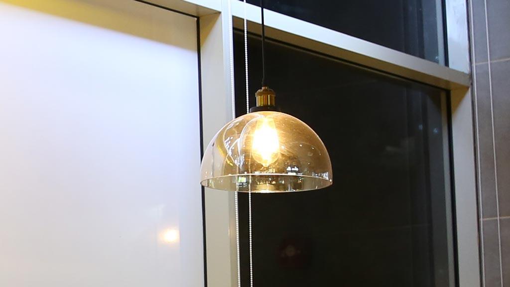 Đèn thả chao thủy tinh chuôi đèn cổ điển